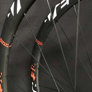 RUEDAS FULL CARBON DISC TUBULAR