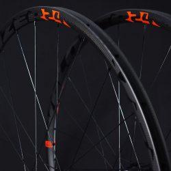 Juego de ruedas Tubular Perfil 24
