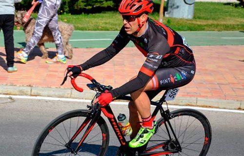 Ciclistas con Velozer